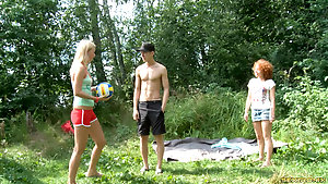 Teens Suck Same Dong And Are Fucked In Outdoor Threesome
